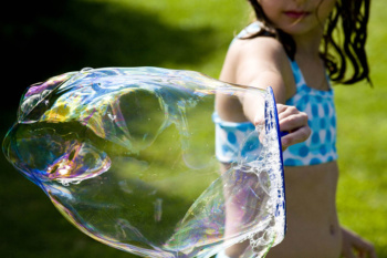 DIY Gigantic Bubbles Recipe