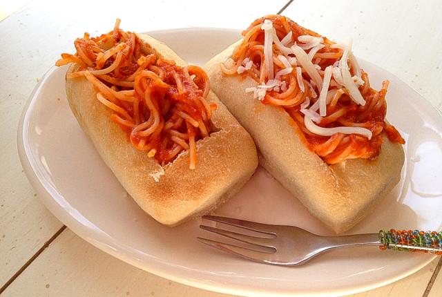 Spaghetti Boats for Kids dinner