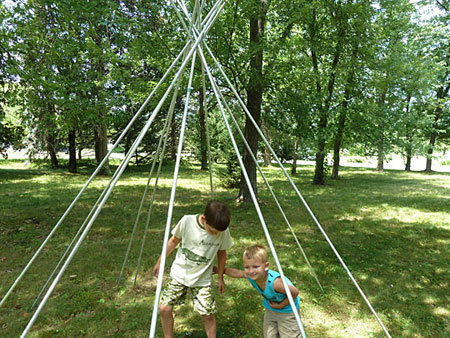 outdoor teepee for kids