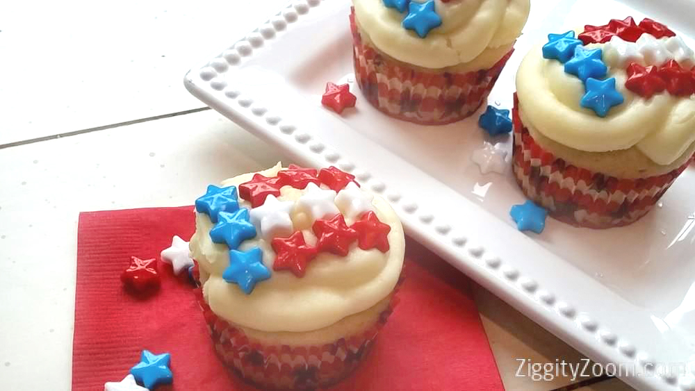 Easy Patriotic Star Cupcakes for the 4th of July