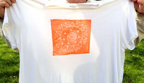 diy tshirt design with light dyes