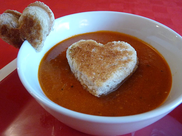 tomato_soup_heart_grilled_cheese