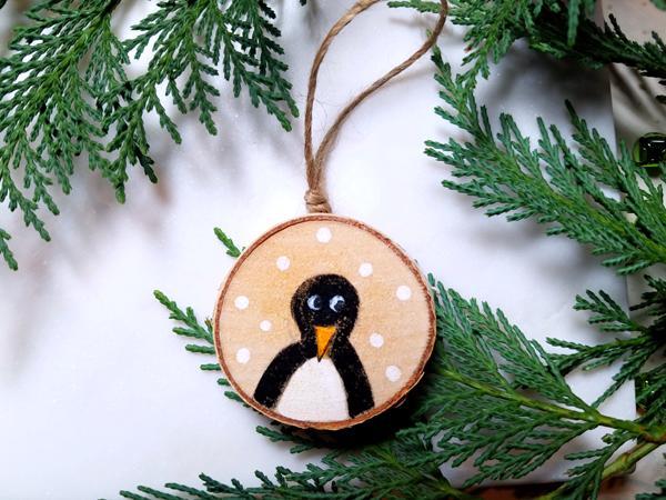 diy_rustic_pengiun_ornament