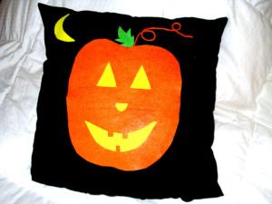Make A No-Sew Pumpkin Pillow